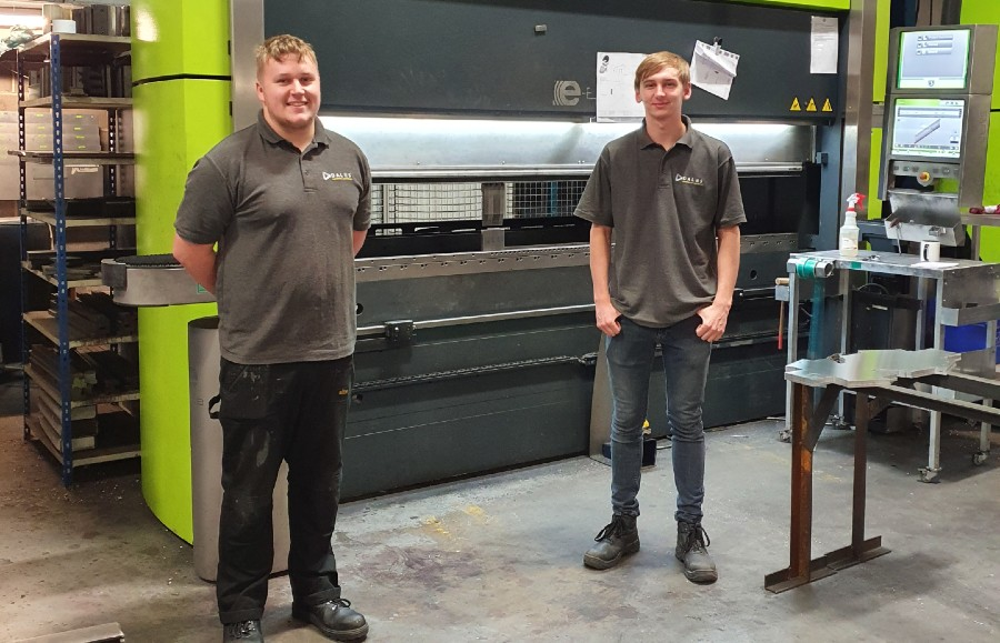 Manufacturing Engineering Apprentices start at Dales